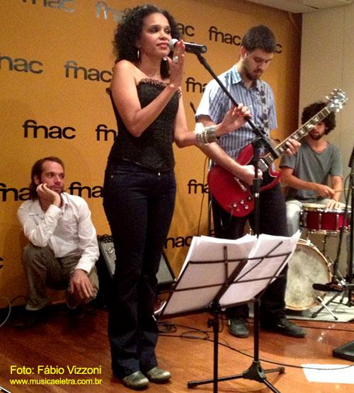 Teresa Cristina e Os Outros - Foto: Fábio Vizzoni - Site Música & Letra
